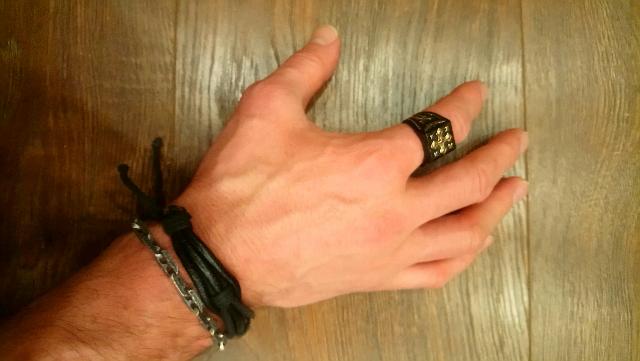 Очень стильный перстень