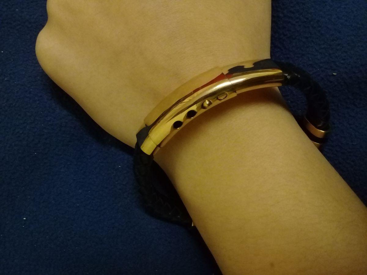 Кожаный браслет, очень красивый