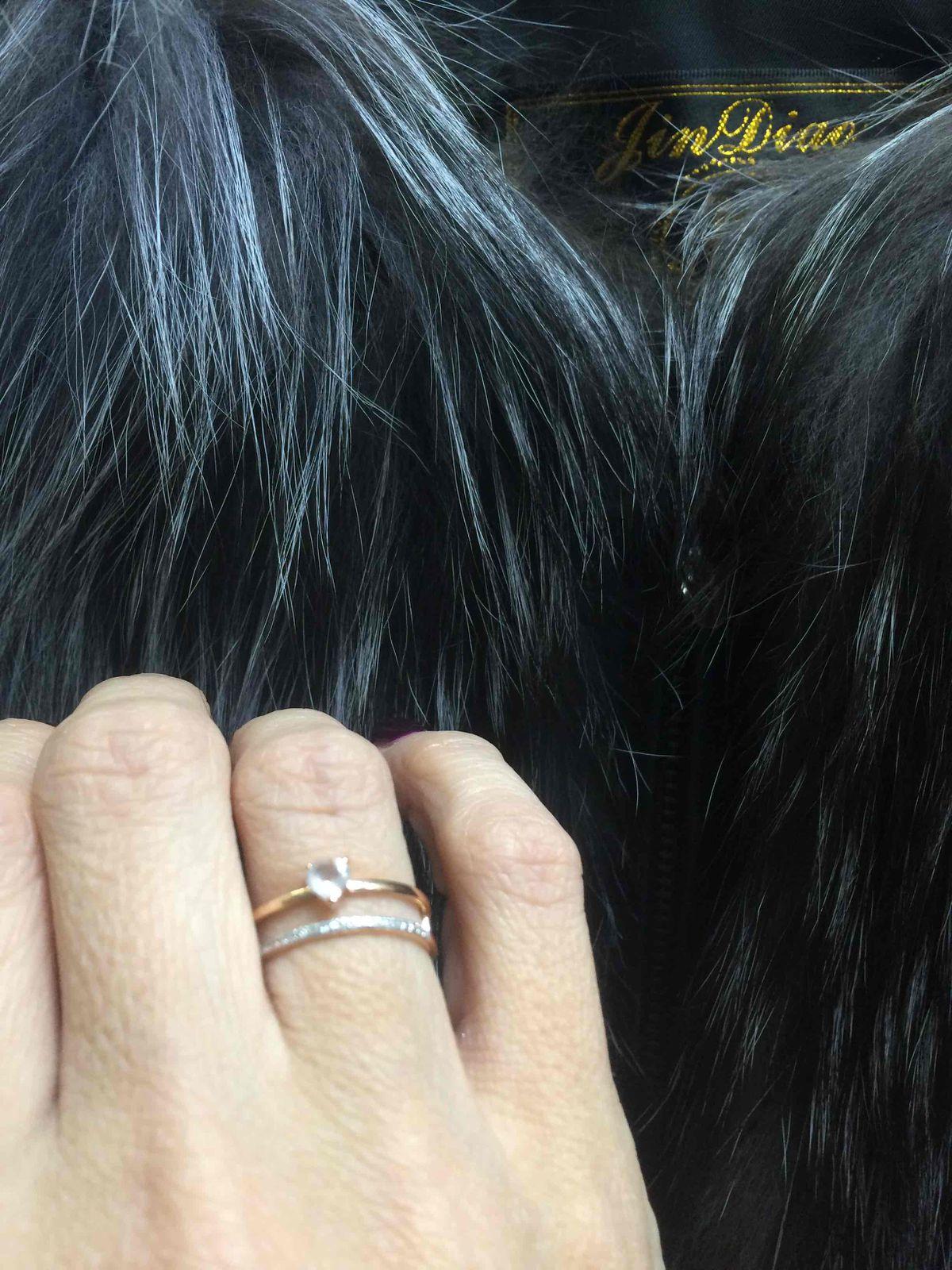 Кольцо с бриллиантами и розовым кварцем