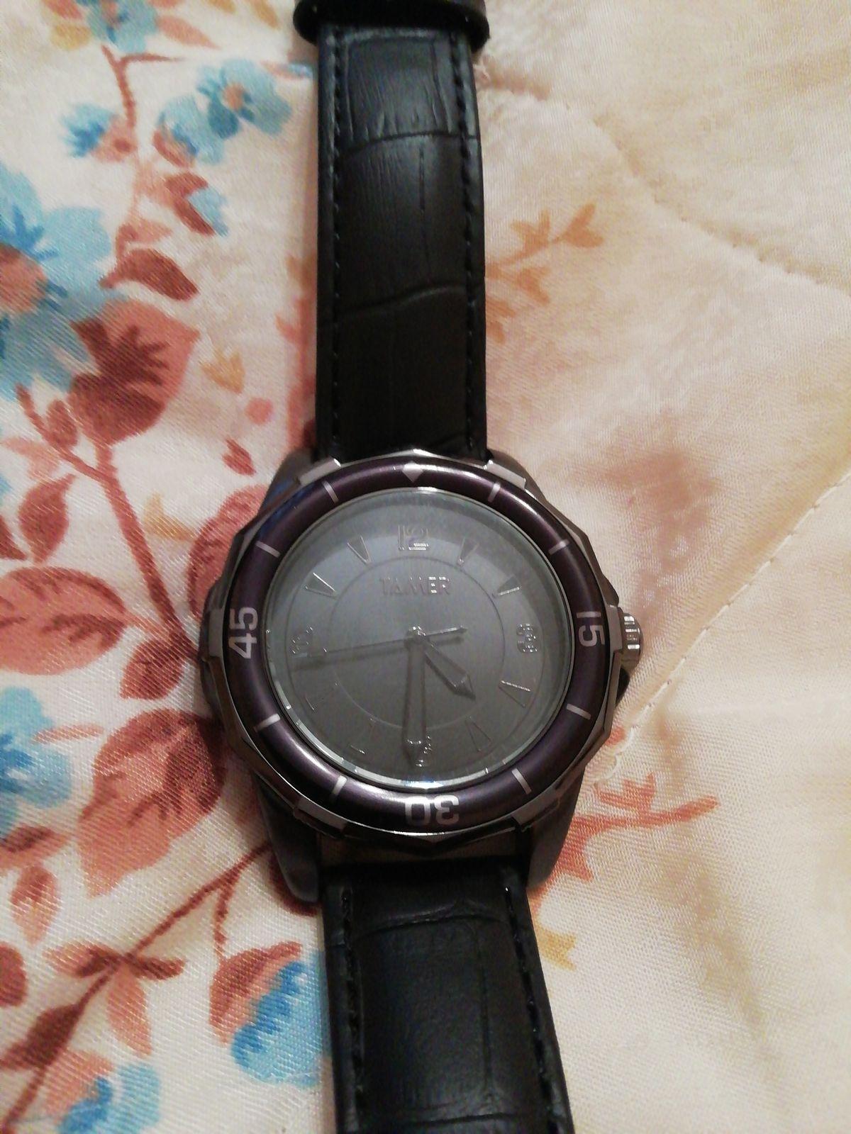 Часы чёрные