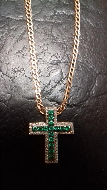 Очень красивый крестик.