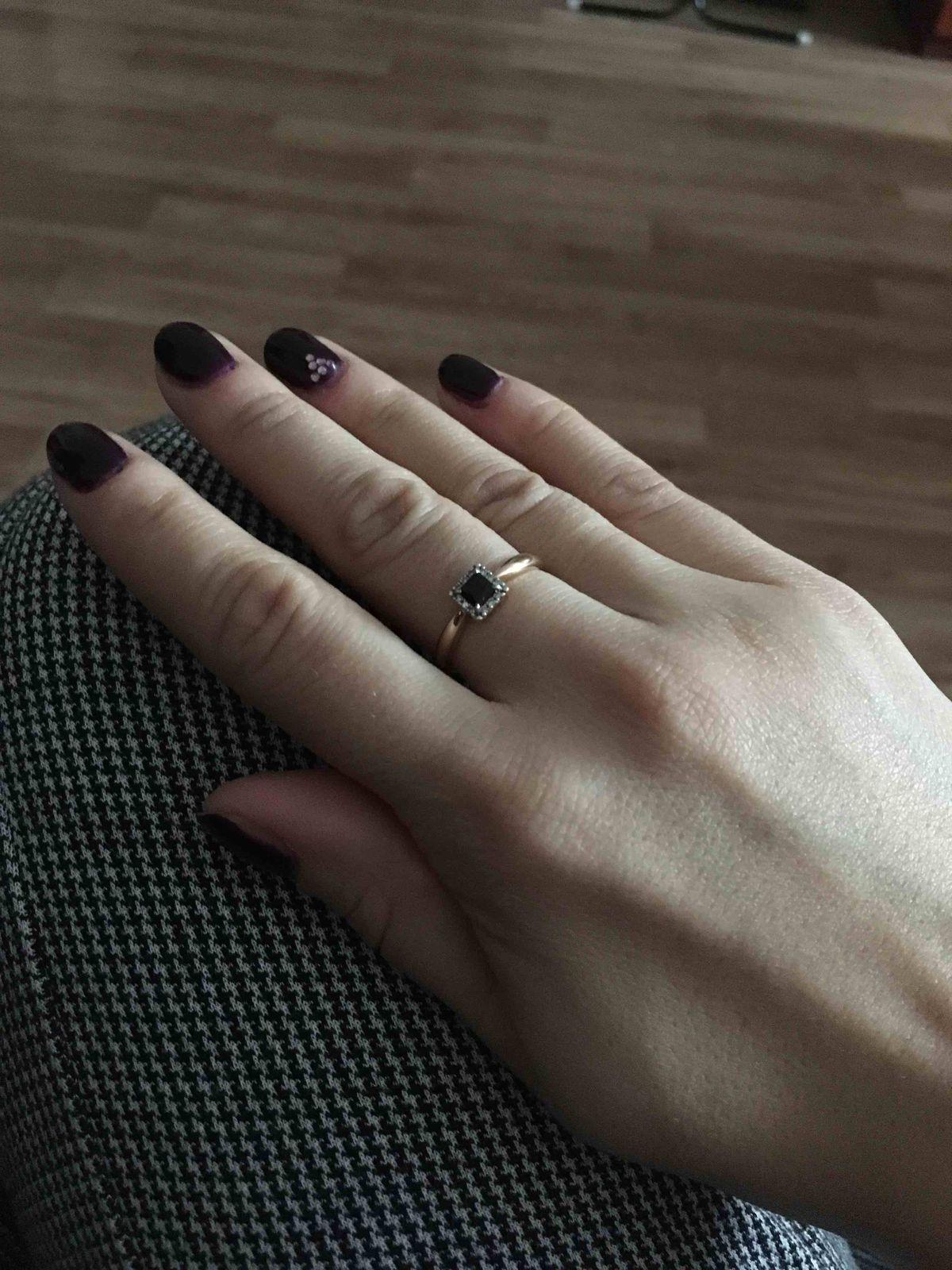 Красивое кольцо,просто и изыскано....