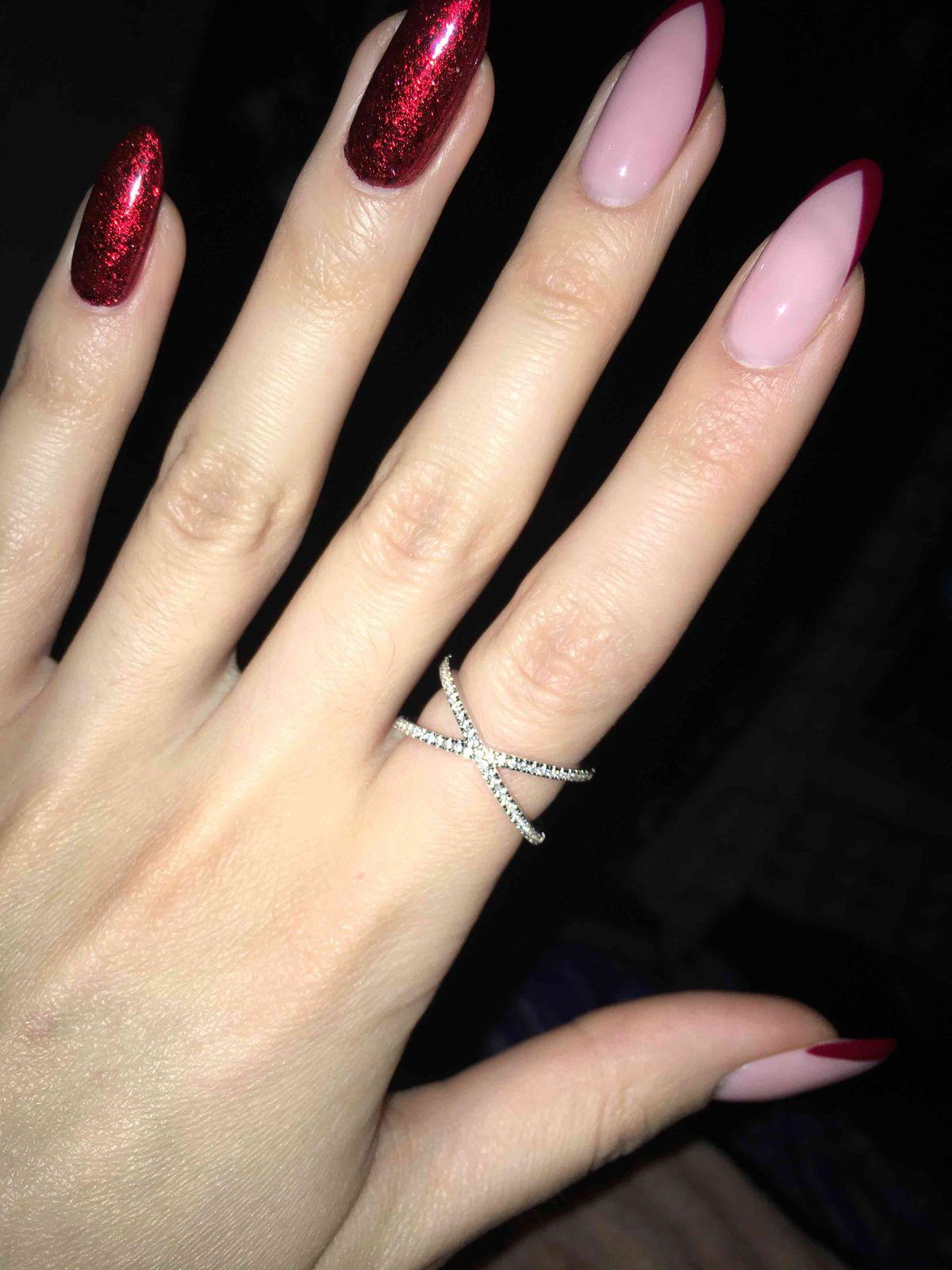 Прекрасное кольцо, невероятно крутого дизайна с фианитами! очень эфектное!