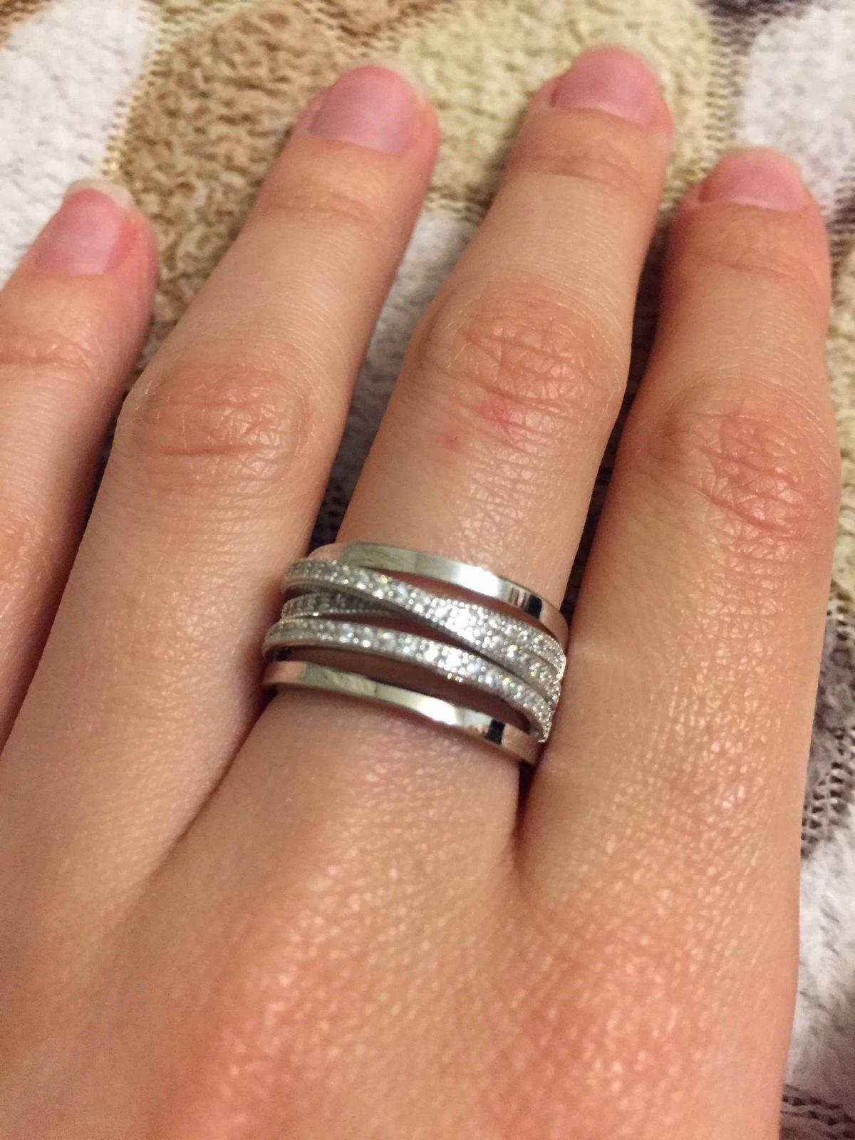 Серебряное кольцо большое.