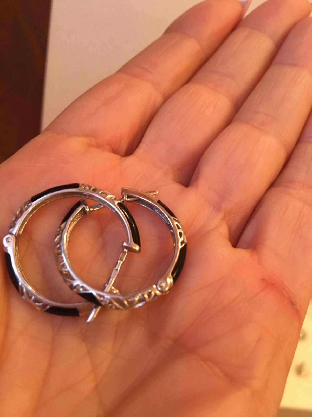 Серебряные серьги с керамическими, черными вставками