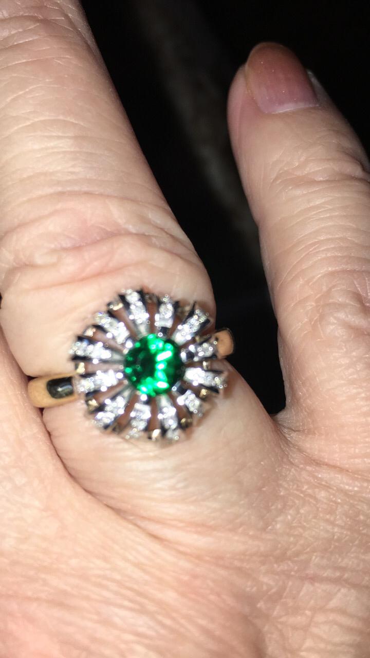 Кольцо золотое изумруд брилиант