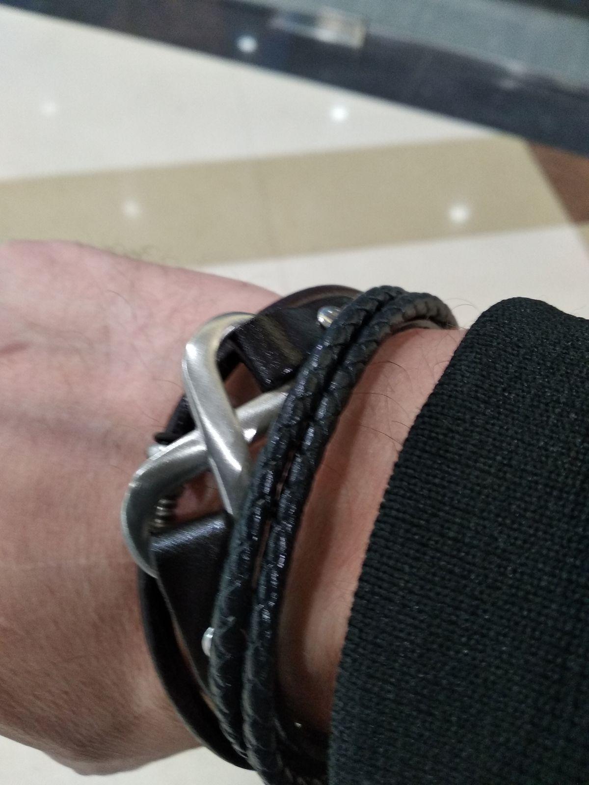 Классный стильный браслет