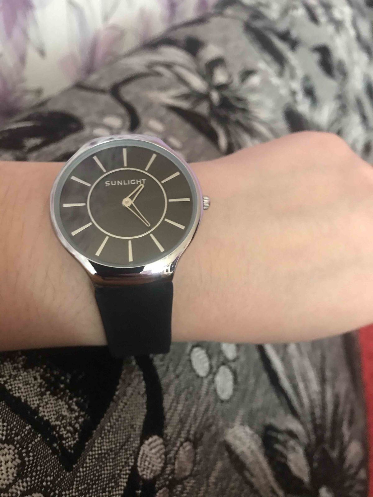 Часы классические красивые