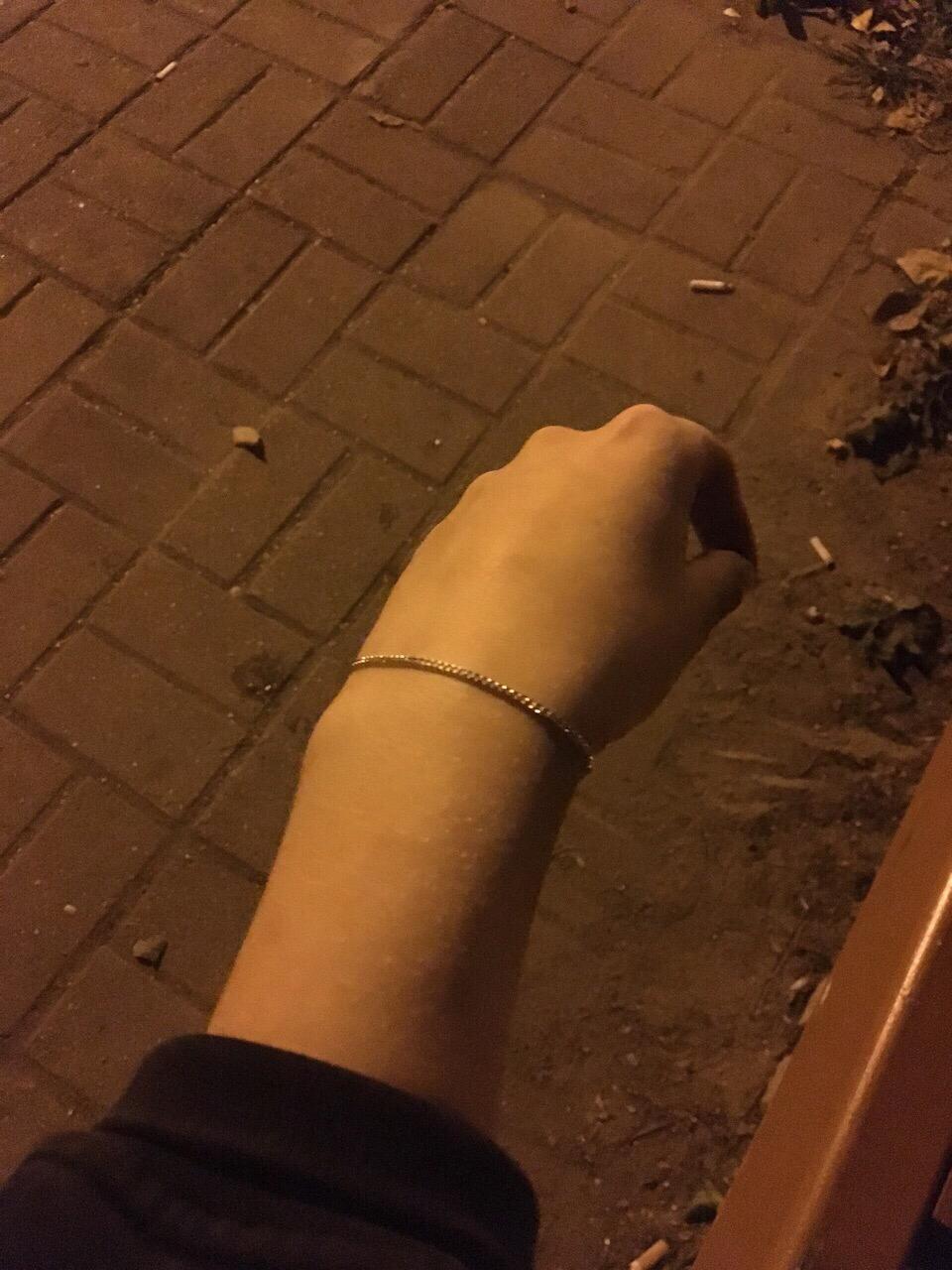 Очень красиво смотрится на руке)