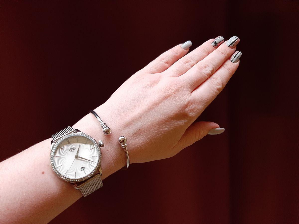 Изящный, стильный браслет