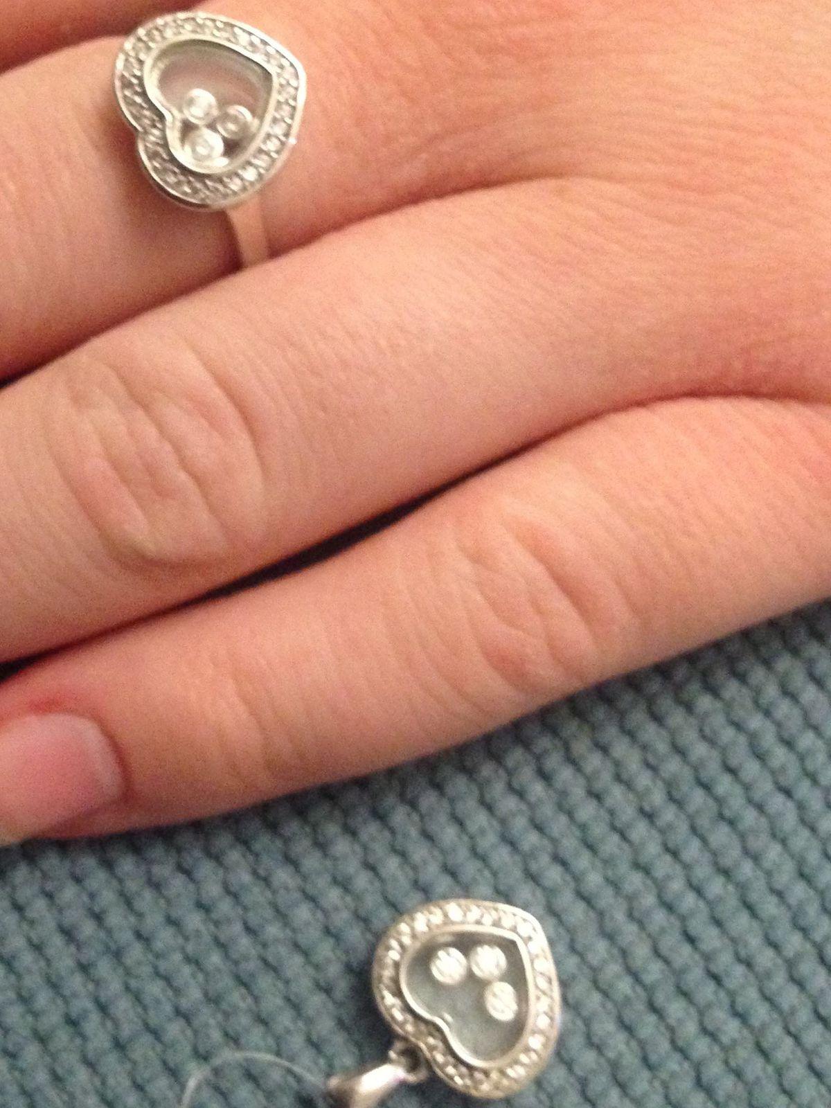 Серебряное кольцо с фианитпми