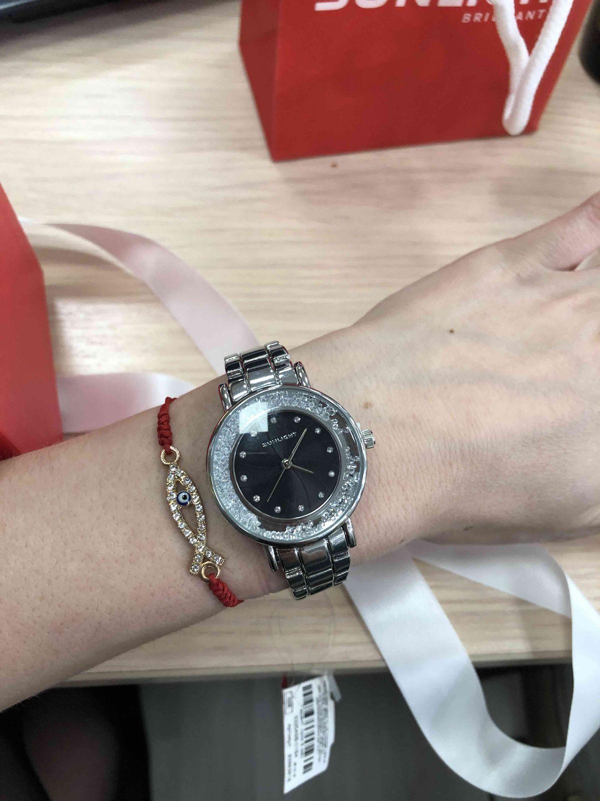 Очень красивые часы.аккуратно смотрятся на руке