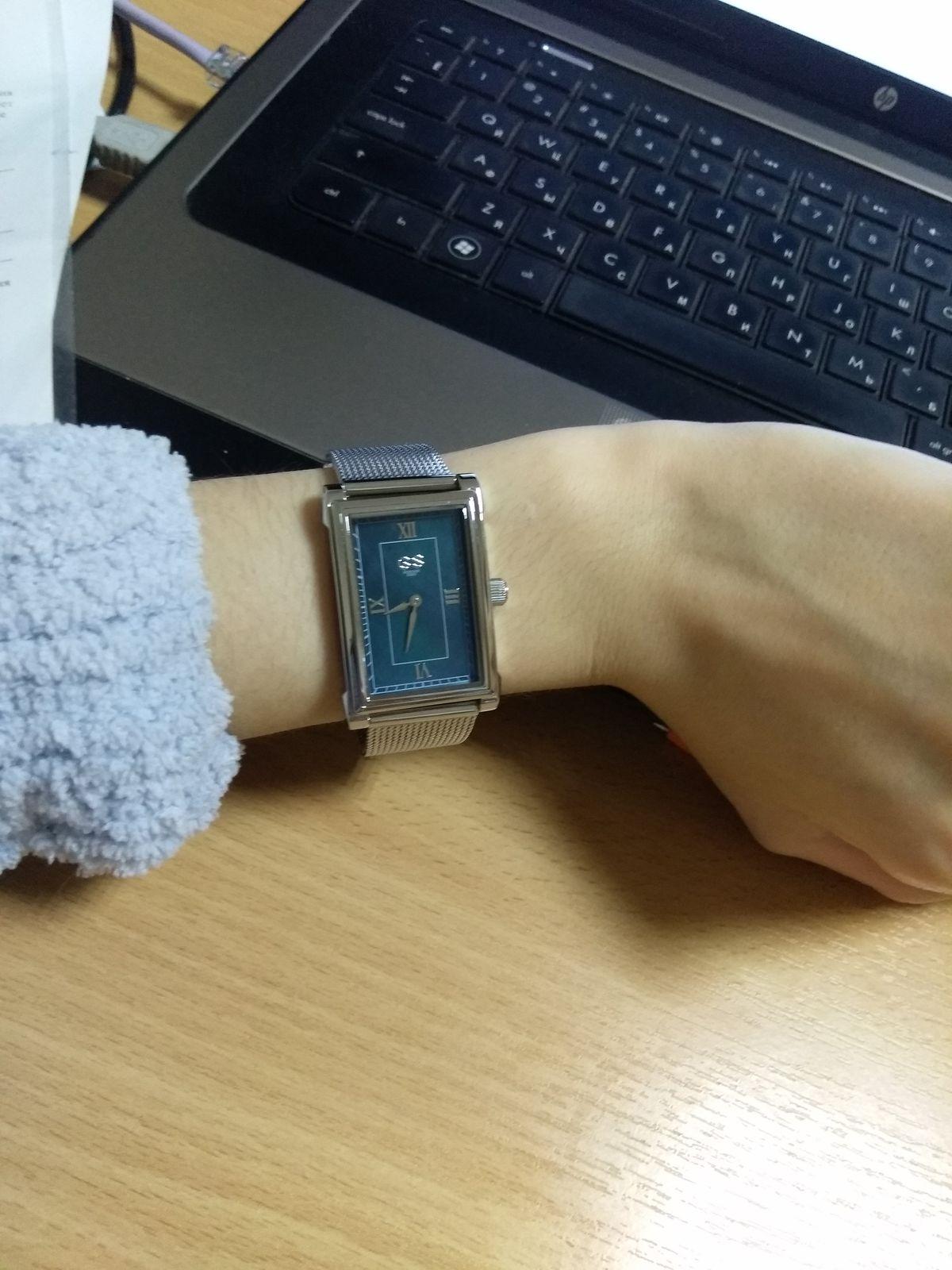 Часы от бренда Gribnyakov Sergey.