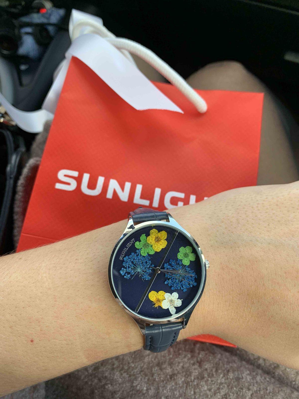 Часы с сухоцветом