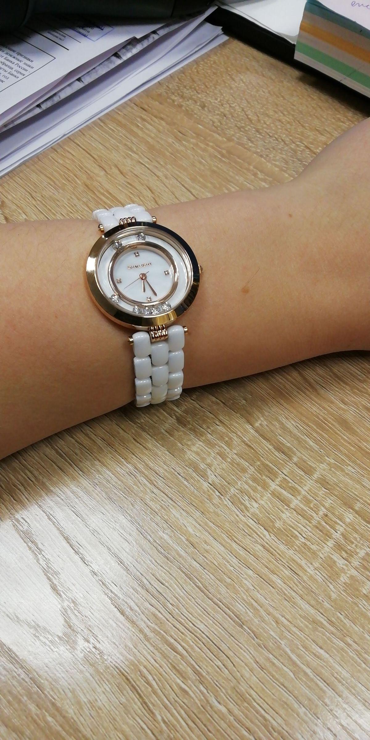 Часы керамические. Белые...................................................