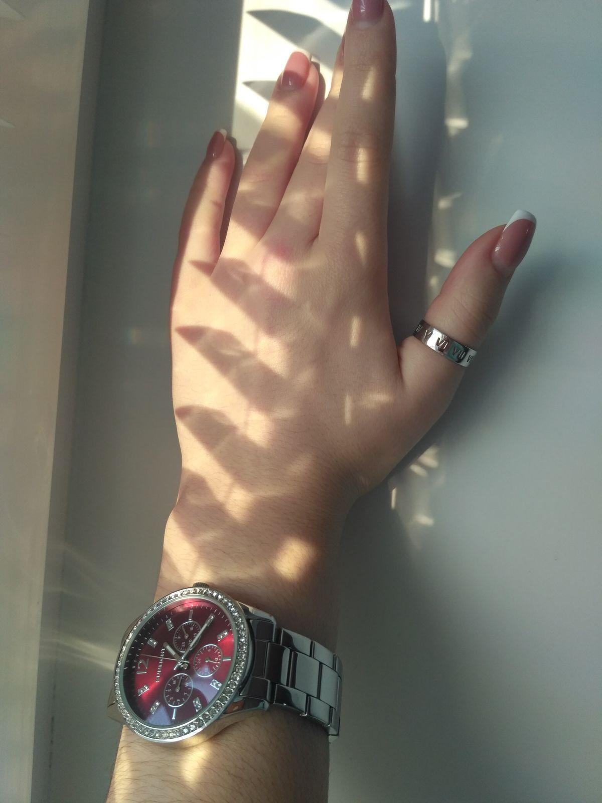 Однозначно, прекрасное украшение! Особенно  для любителей минимализма !