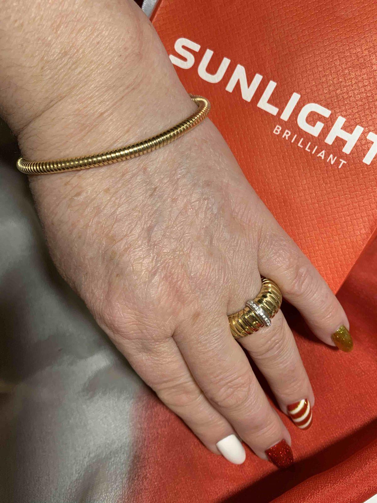 Себряное в позолоте кольцо в фианитами