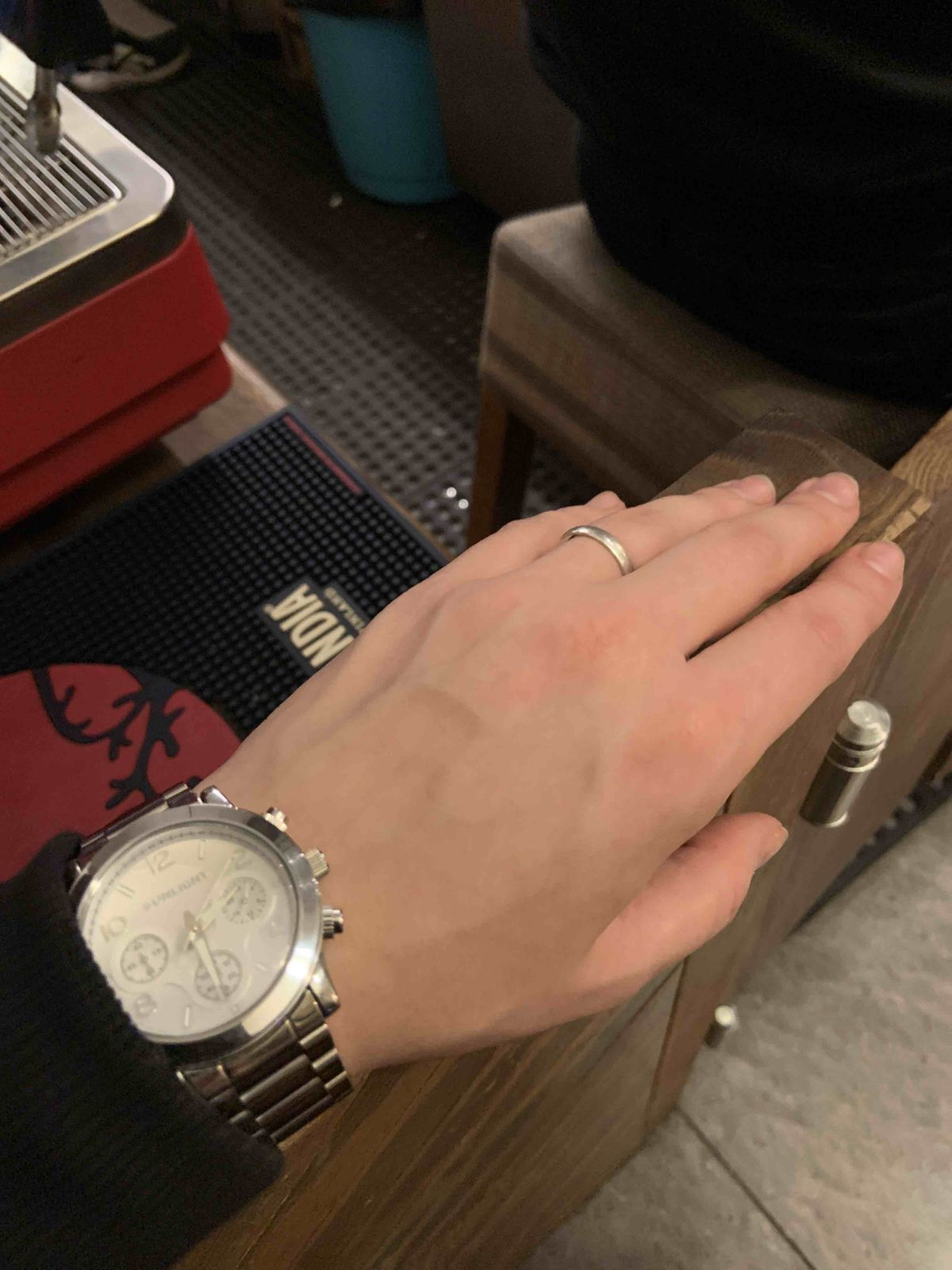 Прикольные стильные часы