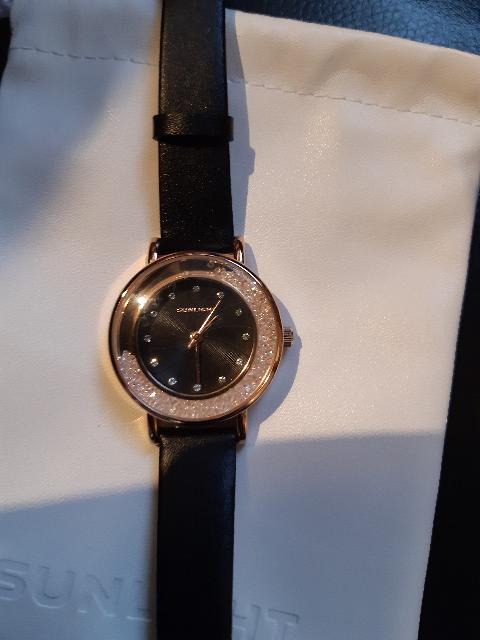 Симпатичные часы на каждый день