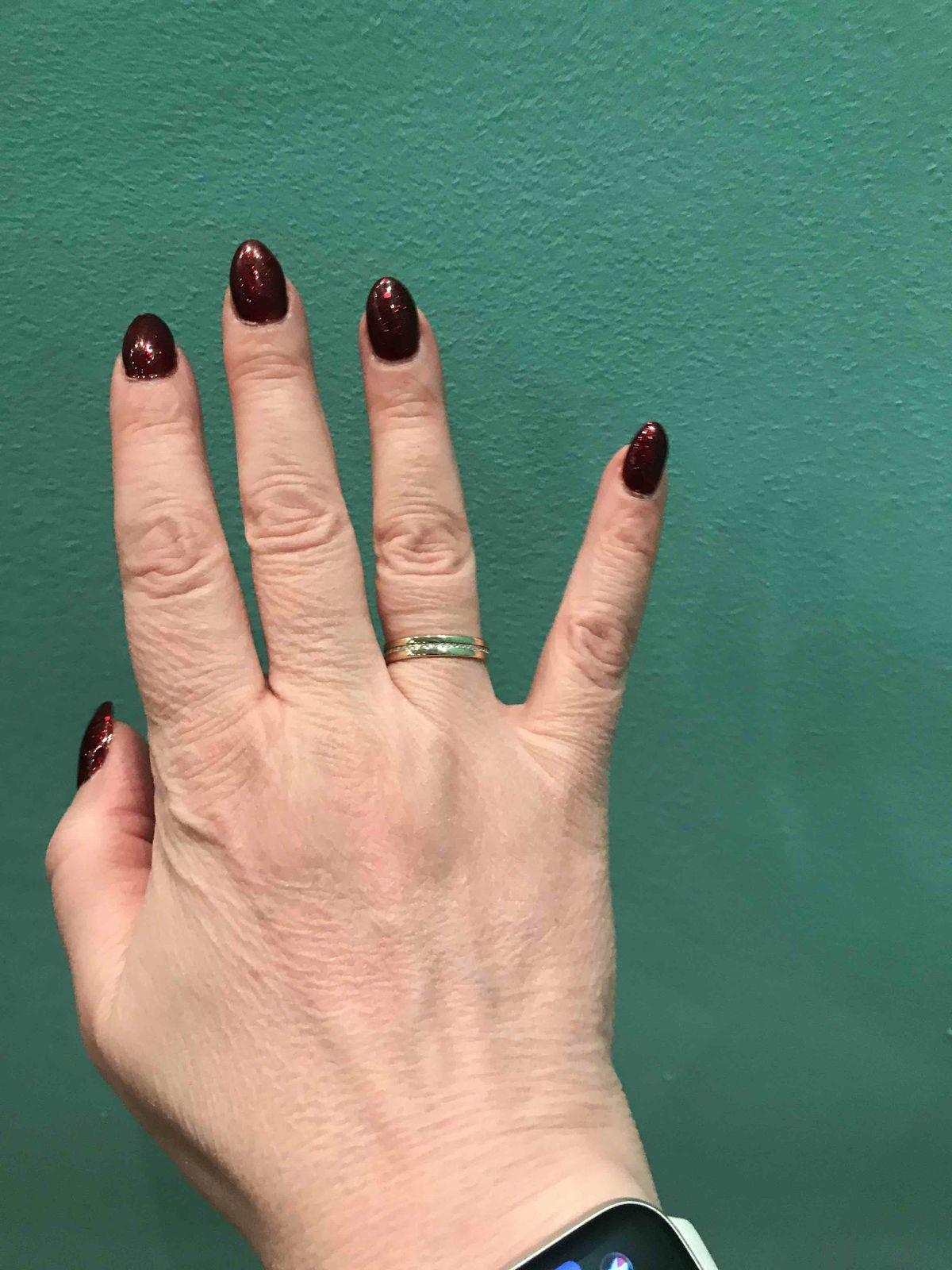 Золотое кольцо с брилиантами подарок к дню Святого Валентина!