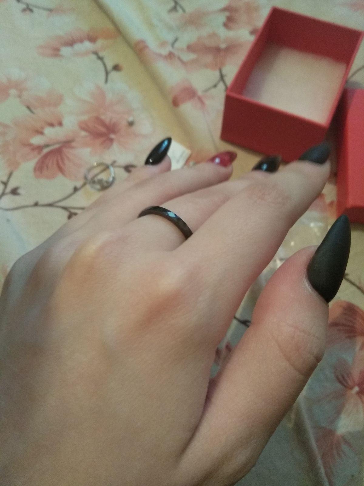 Чёрное керамическое кольцо