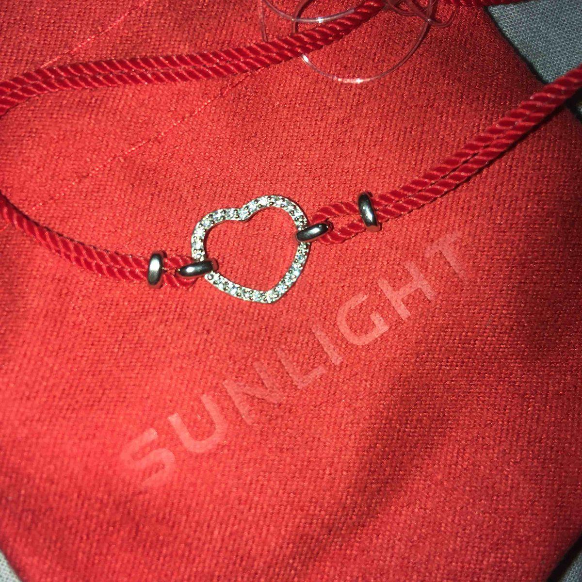 Красная ниточка