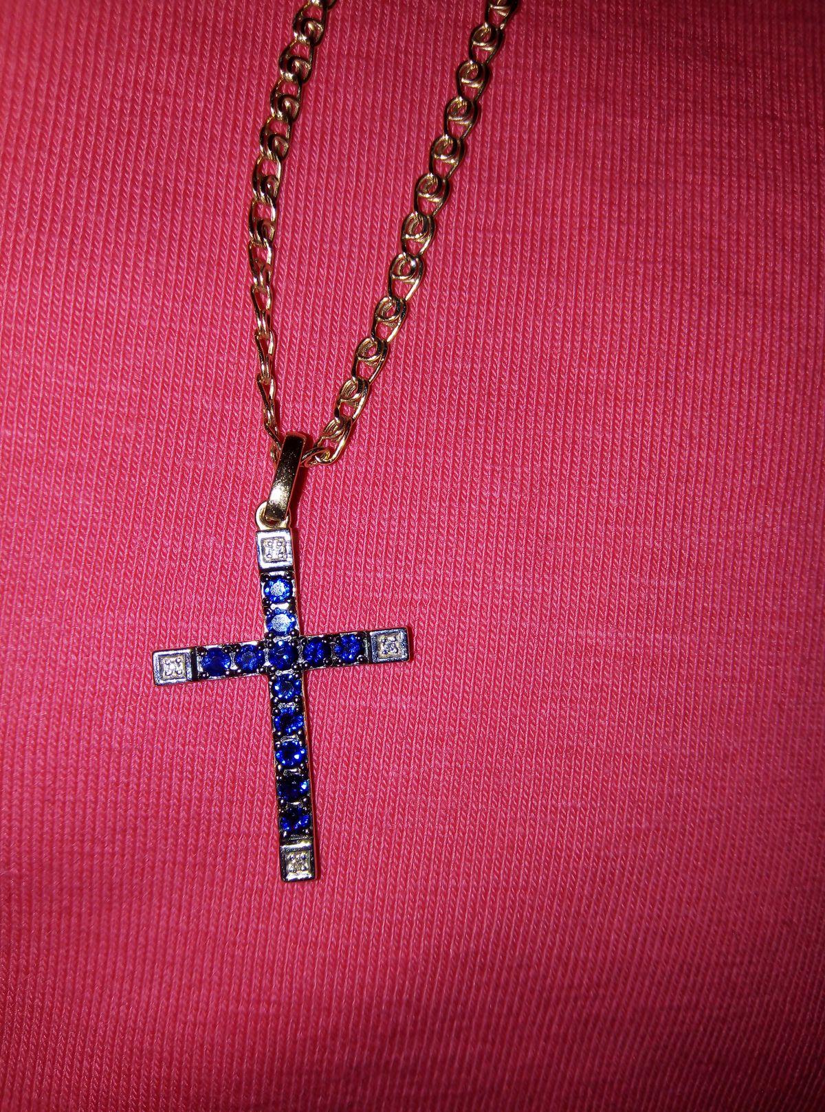 Купила крестик с сапфирами и брильянтами! Очень красивый!