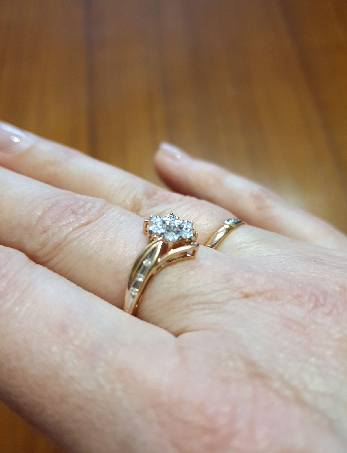 Кольцо с бриллиатами