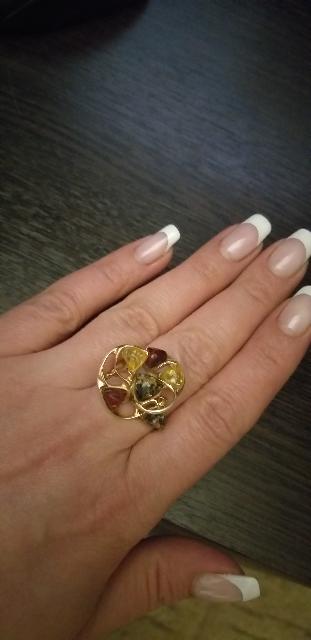 Кольцо с янтарём