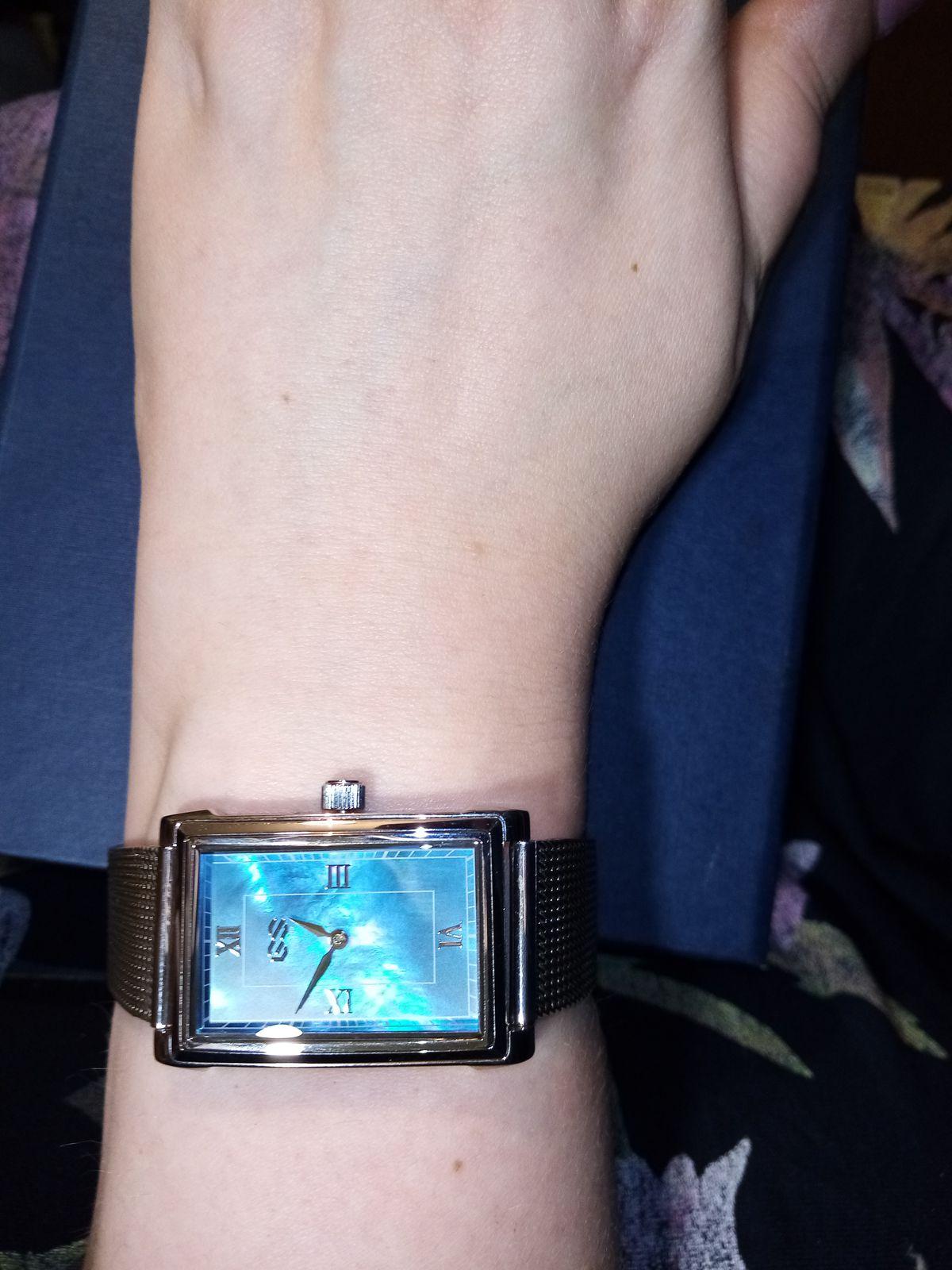 Очень приятно носить нестандартные часы!