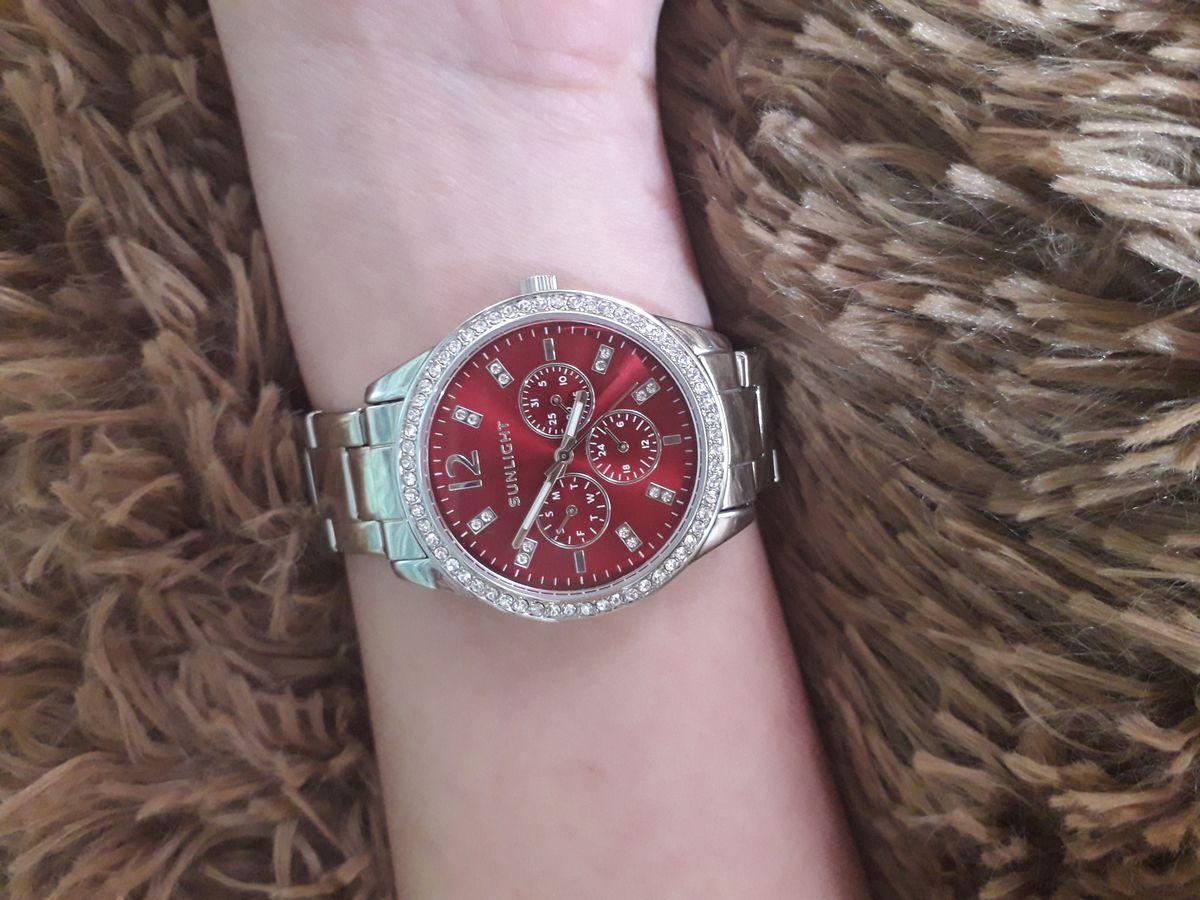 Очень давно хотела купить часы.