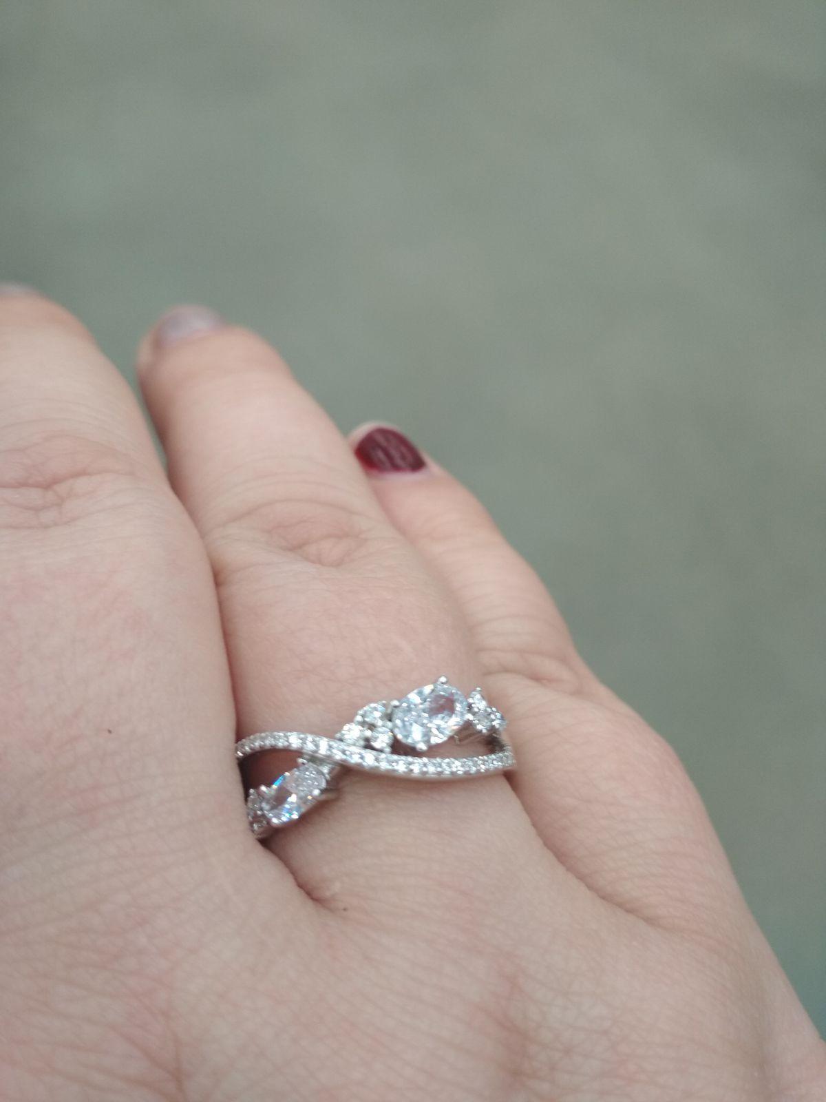 Замечательное, нежное кольцо