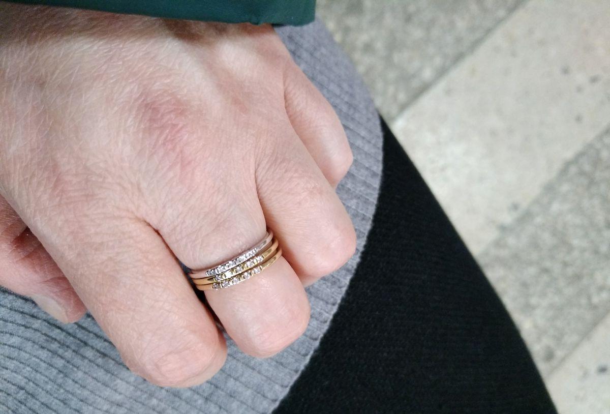 Серебренное кольцо с фианитоми