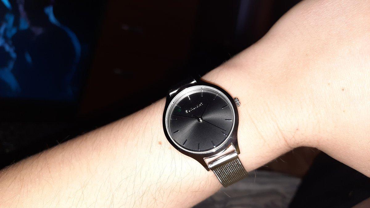 Отличные лаконичные часы