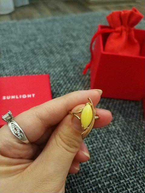 Кольцо с красивым янтарём