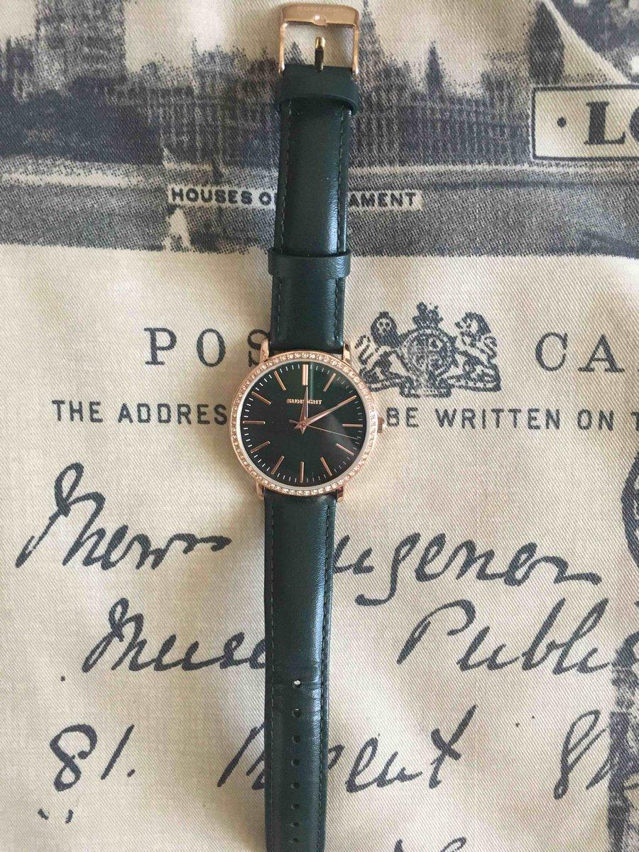 Стильный часы