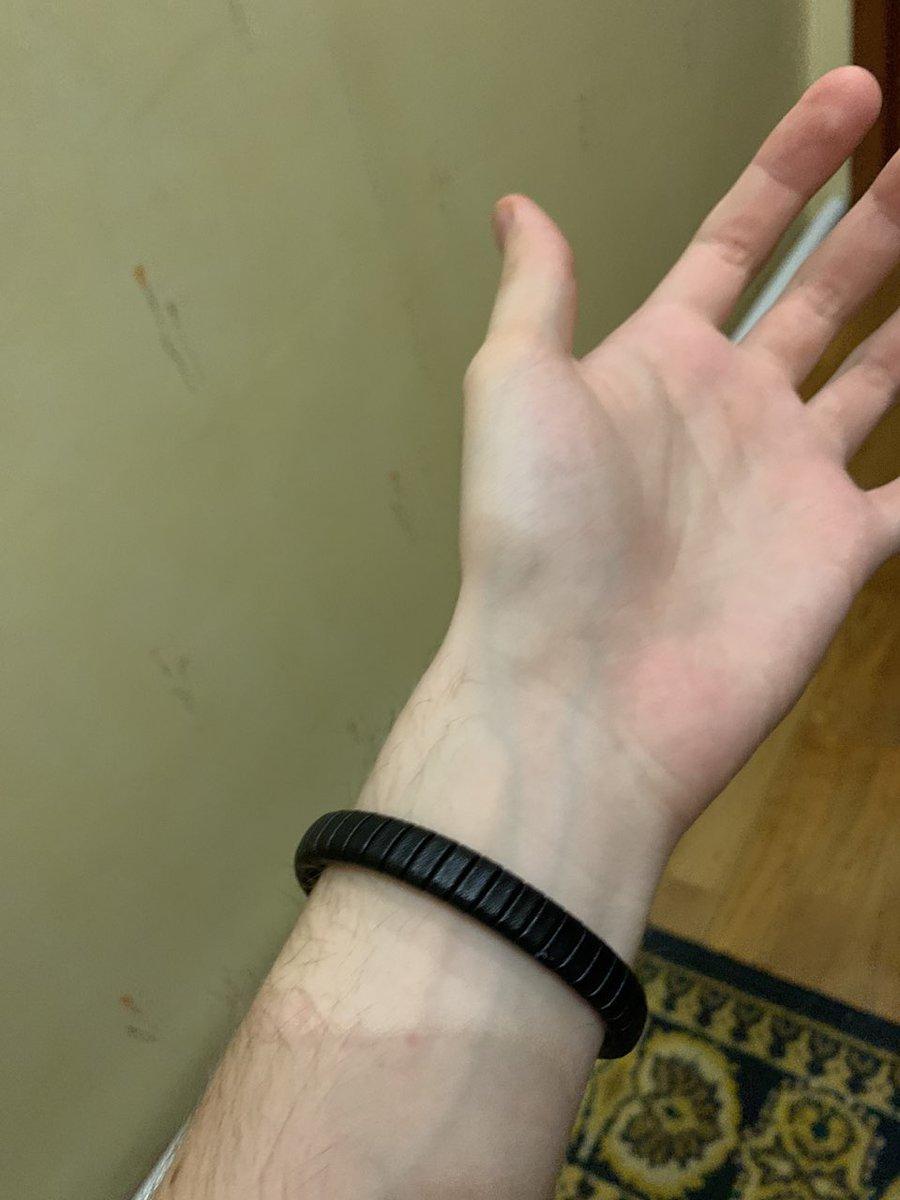 Качественный браслет, но железо со временем истриается