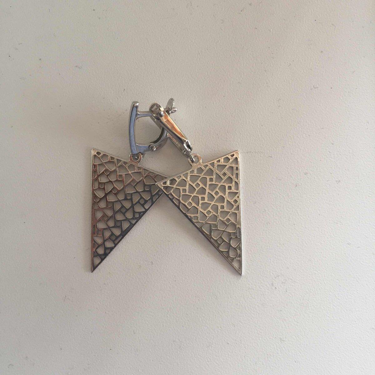 Треугольный серебряные серьги