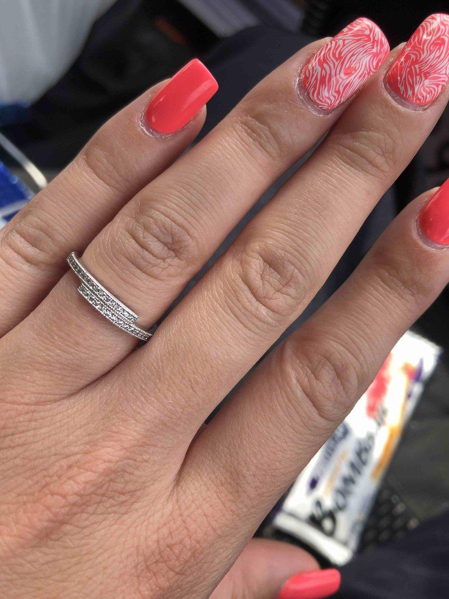 Изящное серебряное кольцо!