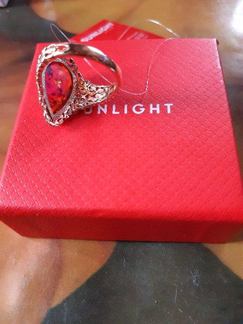 Золотой перстень с янтарем