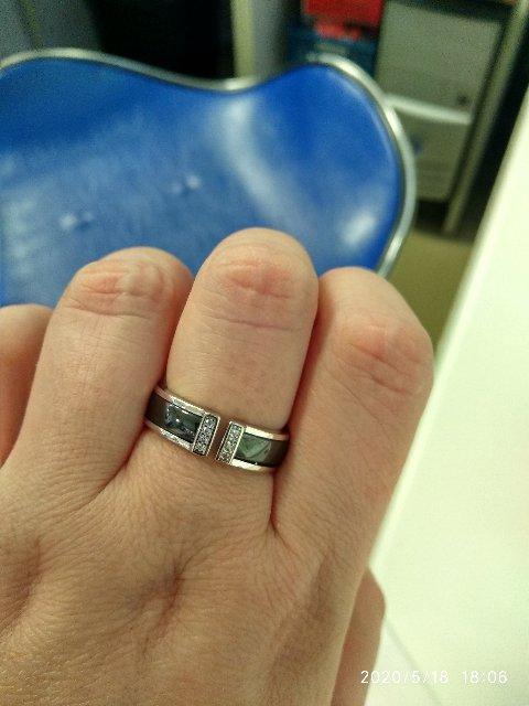 Кольцо с керамикой.