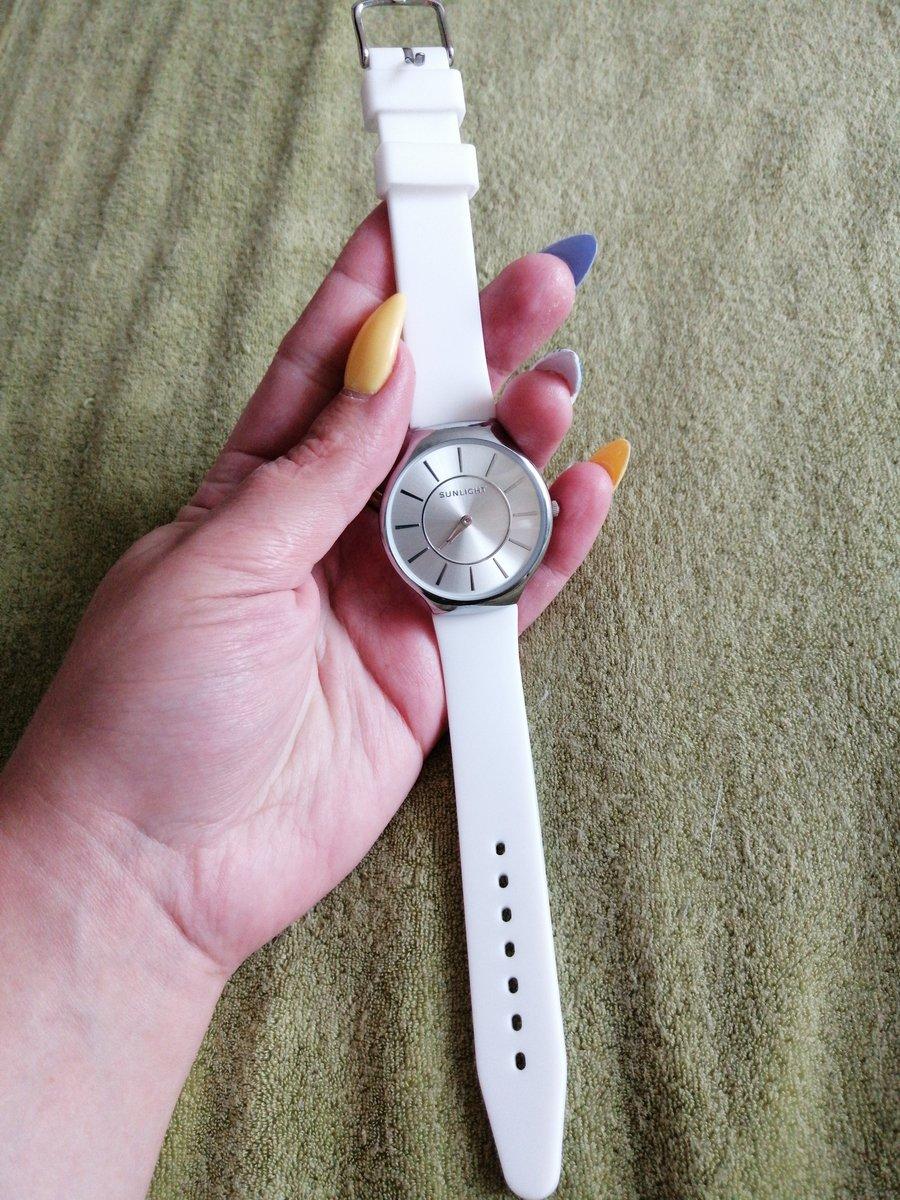 Часы женские белые