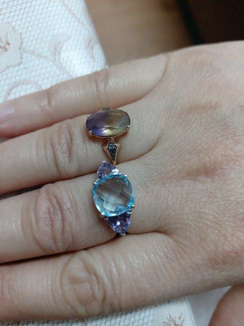 Очень  хорошая  красивая  нежная  кольцо  Мне  очень  сильно   понравилось