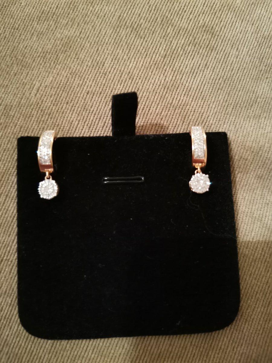 Прекрасные бриллиантовые серьги