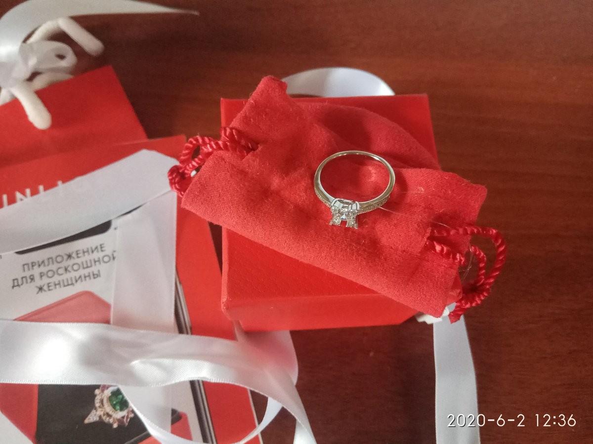 Красивое кольцо из серебра