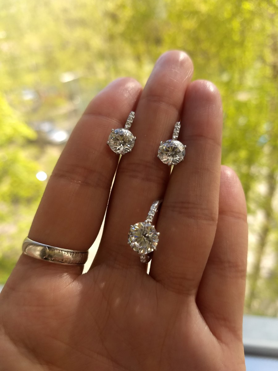Серебряные серьги с кристалами Сваровски