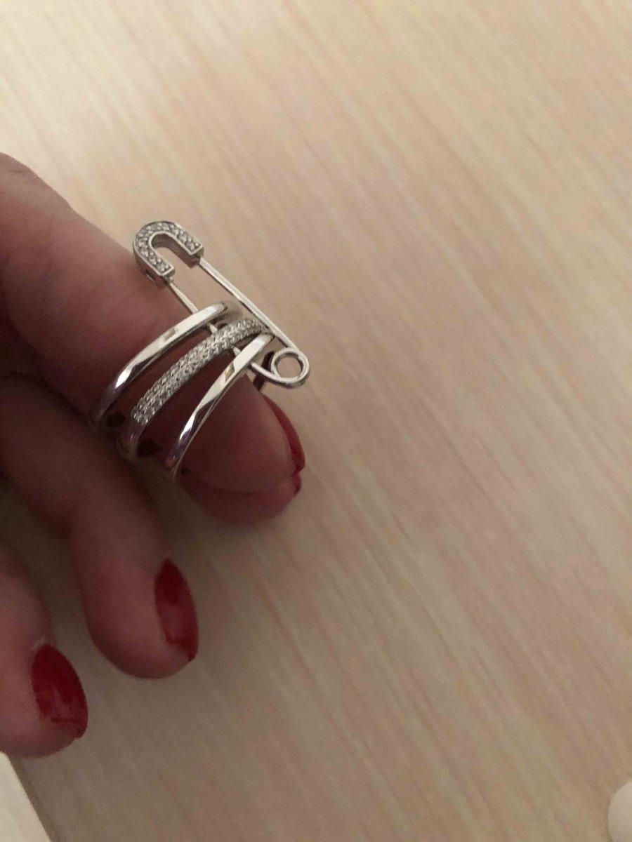Оригинальное кольцо с булавкой