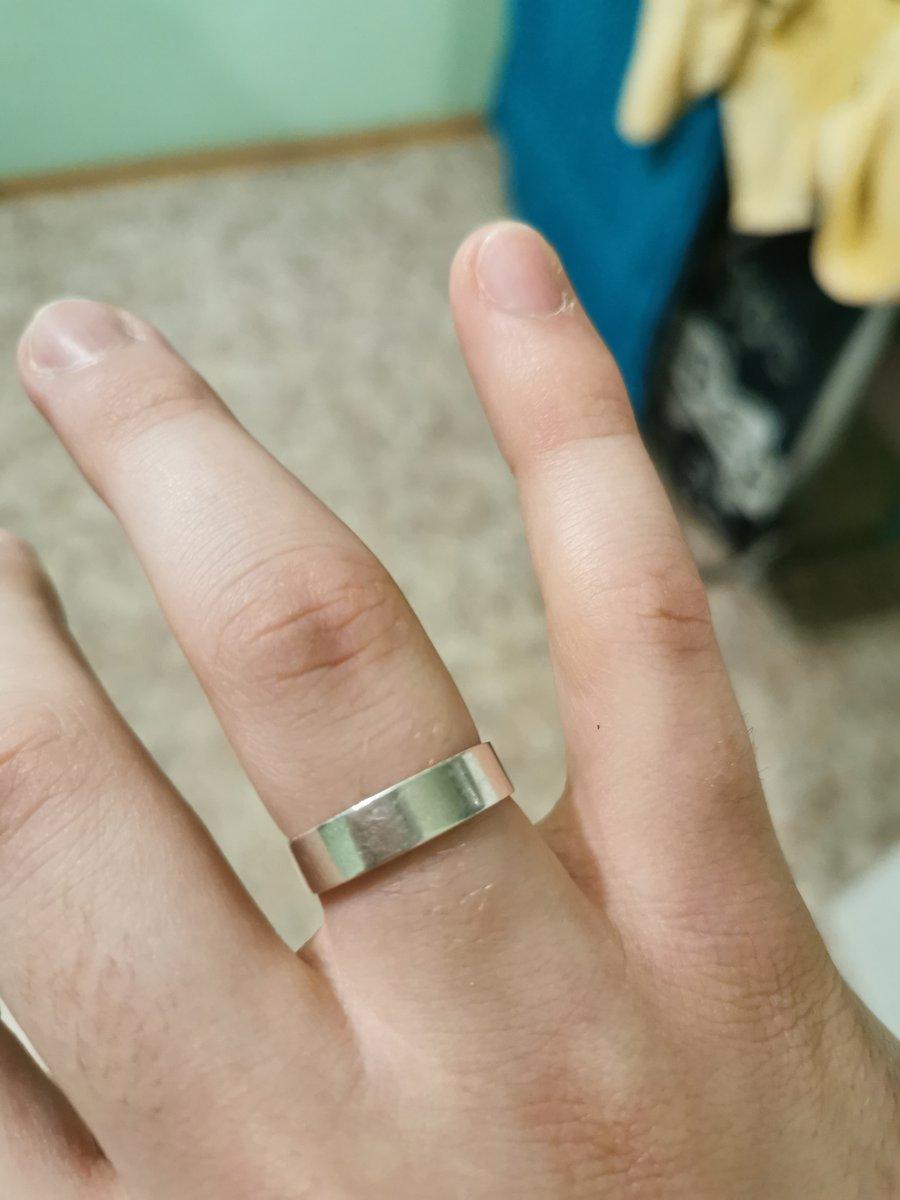 Покупал 2 кольца в феврале