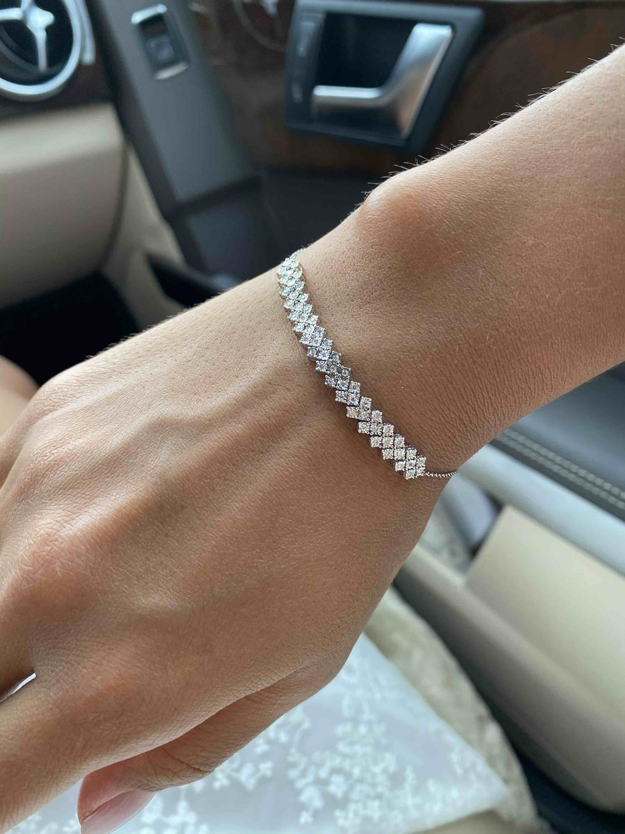Роскошный бриллиантовый браслет
