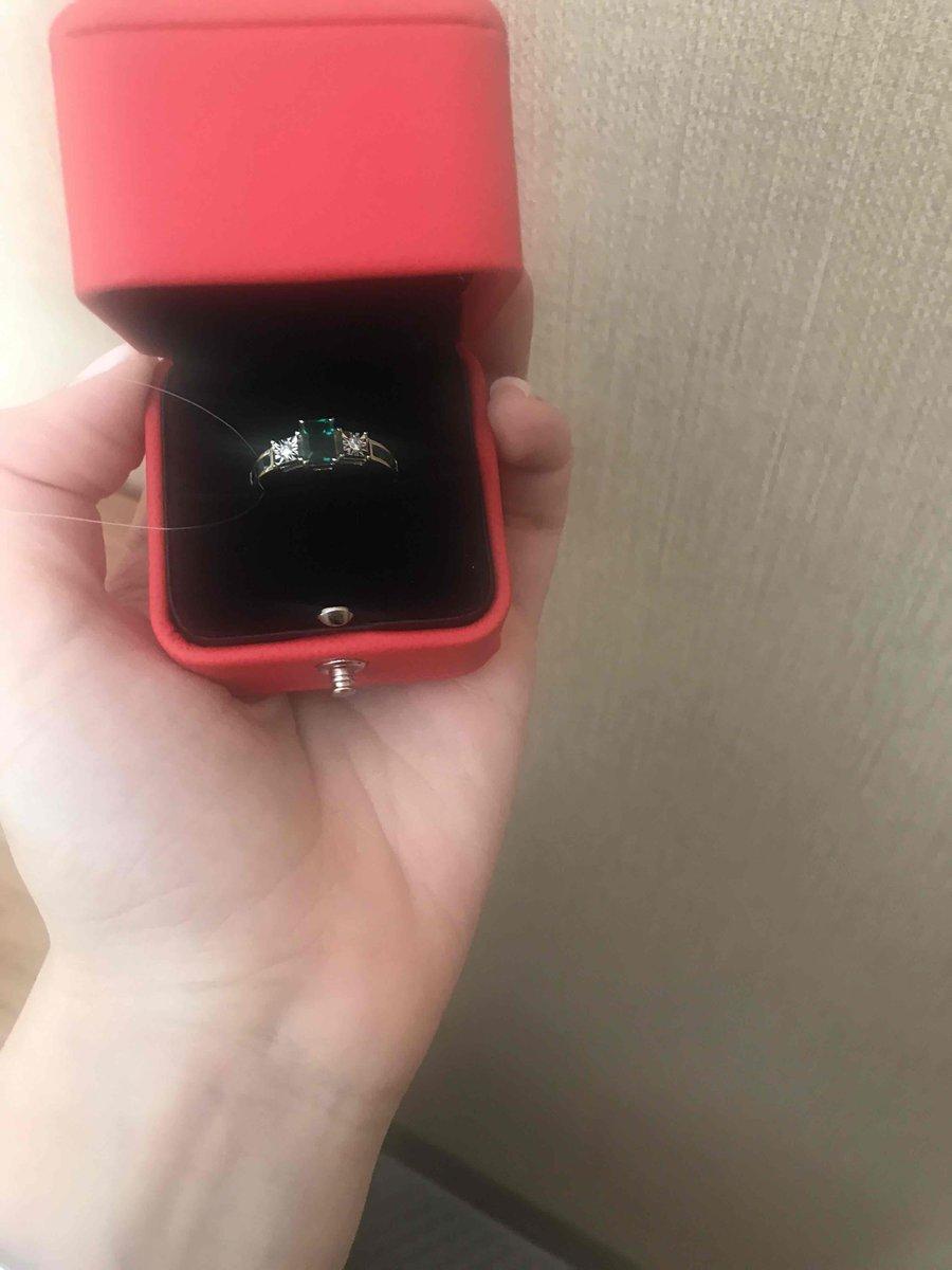 Кольцо от любимого мужа на годовщину свадьбы